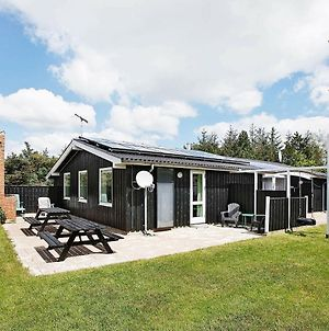 Five-Bedroom Holiday Home In Hadsund 2 photos Exterior