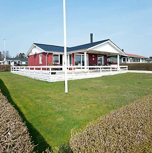 Three-Bedroom Holiday Home In Juelsminde 25 photos Exterior