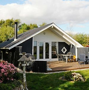 Three-Bedroom Holiday Home In Tarm 9 photos Exterior