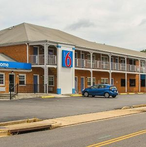 Motel 6 Falls Church Va Arlington Boulevard photos Exterior