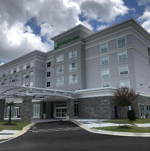 Holiday Inn & Suites - Fayetteville W-Fort Bragg Area, An Ihg Hotel photos Exterior