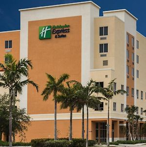 Holiday Inn Express Fort Lauderdale Airport South photos Exterior