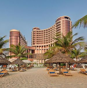 Holiday Beach Danang Hotel & Resort photos Exterior