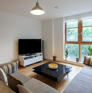 Lovely 2 Bed 2 Bathroom Flat 5 Mins From Tube photos Exterior