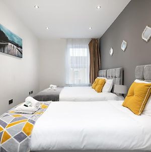 Kvm - Kensington Apartment Town Centre With Parking By Kvm Serviced Accommodation photos Exterior