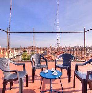 Rooftop360, Private Terrace, 5Pax, 3Bed, Wifi photos Exterior
