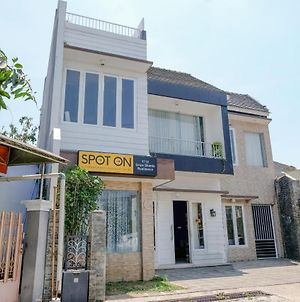Spot On 1712 Griya Shanta Residence photos Exterior