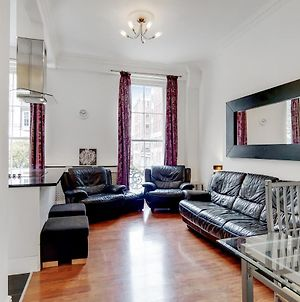 Beautiful Mid-Terraced 2-Bed Queensway Apartment photos Exterior