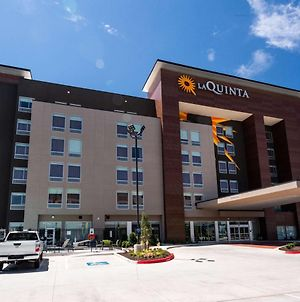 La Quinta Inn & Suites By Wyndham Oklahoma City Airport photos Exterior