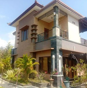 A Very Nice Cozy Family Home With 2 Floors, Fully Furnished. photos Exterior