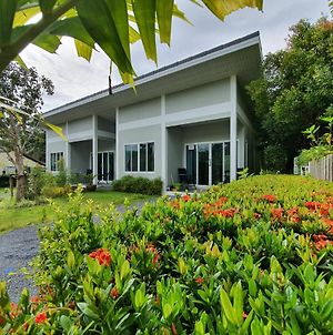 Ao Nang Modern House photos Exterior