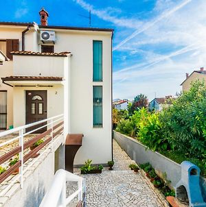 Comfortable Apartment Puh With Built Barbecue In Pula photos Exterior