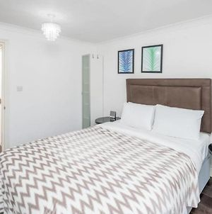 Elegant 2Bed Sleeps 5 Next To Harrods photos Exterior