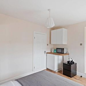 Sleek 1 Bed Studio In Chalk Farm 7 Mins To Tube. photos Exterior