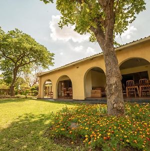 Thumbi View Lodge And Backpackers In Lilongwe photos Exterior