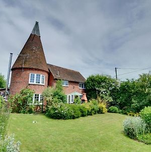 Traditional Holiday Home In Woodchurch Kent With Parking photos Exterior