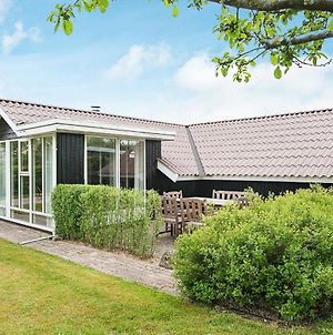 Two-Bedroom Holiday Home In Esbjerg V 1 photos Exterior