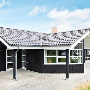 Four-Bedroom Holiday Home In Hirtshals 2 photos Exterior