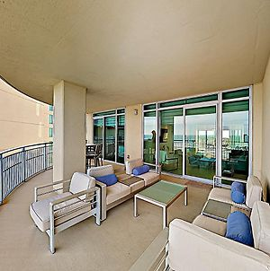 New Listing! Luxe Beachfront Oasis With Pools & Gym Condo photos Exterior