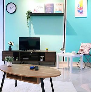 6-8 Pax Setiawalk 5Min Lrt Cozy Apartment Puchong photos Exterior
