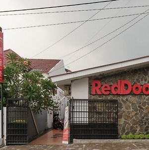 Reddoorz Near Universitas Medan Area photos Exterior