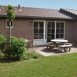 Holiday Home Recreatiepark De Boshoek.2 photos Exterior