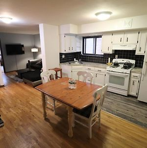 Astoria 2 Bedroom That Sleeps Up To 6 - 1 Block To Subway photos Exterior
