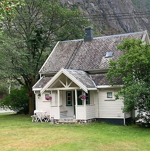 Aobrio Holidayhouse, Old Farmhouse Close To Flam photos Exterior