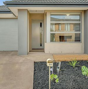 Daisy Villa - Close To Mel Airport & Hume Highway -Comfort photos Exterior