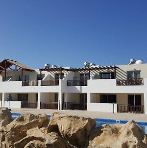 First Floor One Bedroom Apartment, Sea & Pool View, Free Wifi photos Exterior