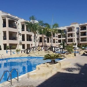 First Floor, 2 Bedroom Apartment, 2 Bathrooms, Pool View & Free Wifi photos Exterior