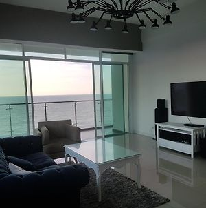 Bay Resort Condominium, 7, Beach-Front Sea View, 6-8 Pax photos Exterior