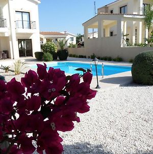 Modern 3 Bedroom Villa, Pool And Close To Golf Course photos Exterior