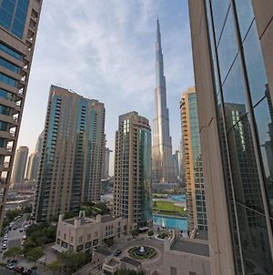Elegant 1 Bedroom Apartment, Burj Khalifa View, Boulevard Central photos Exterior