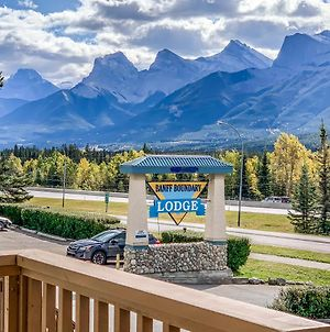 Banff Boundary Lodge - Mountain View Condo - Family Only photos Exterior