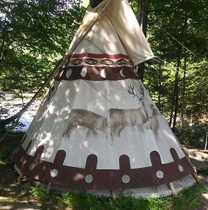 Sioux Tipi On Chloes Lake photos Exterior