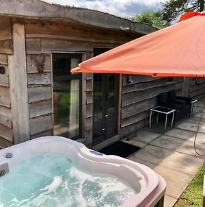 Woodcutters Hot Tub Cabin photos Exterior