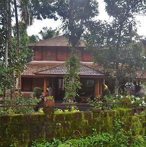 Poonthanam Homestay photos Exterior