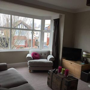 Spacious And Homely 2 Bedroom Hove Flat photos Exterior