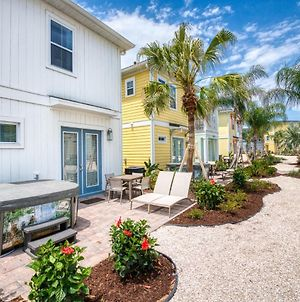 Inviting Cottage With Hotel Amenities Near Disney At Margaritaville 3001Sp photos Exterior