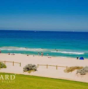 Scarborough Beach, Perth - Sun & Surf Villa photos Exterior