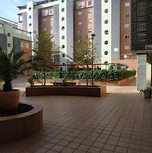 Apartamento Tres Dormitorios Parking Gratis 4 Minutos Airport photos Exterior