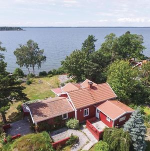 Amazing Home In Sjotorp W/ Jacuzzi, Sauna And 3 Bedrooms photos Exterior