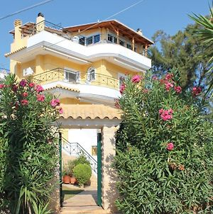 Amazing Home In Nea Makri W/ 4 Bedrooms photos Exterior