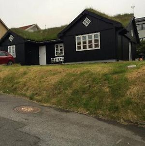Nice House With Grass Roof photos Exterior