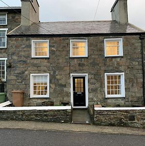 Tegannedd - Luxury Grade II Listed Cottage With Hot Tub photos Exterior