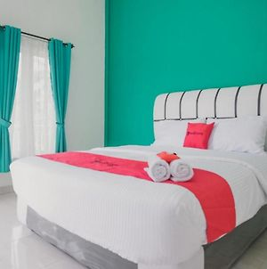 Reddoorz Near Royal Prima Hospital Jambi photos Exterior