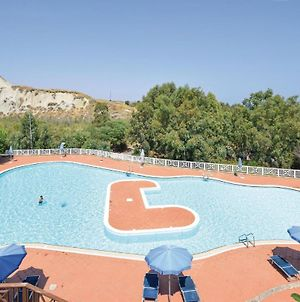 Amazing Apartment In Crotone W/ Outdoor Swimming Pool And 2 Bedrooms photos Exterior