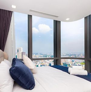 High Level, Panorama View, Landmark81, Tallest Building In Vn - 2 Bedroom Apartment photos Exterior
