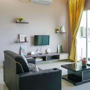 Jovial Home Stay With Modern Design 9Pax Bukit Mertajam Bandar Perda photos Exterior